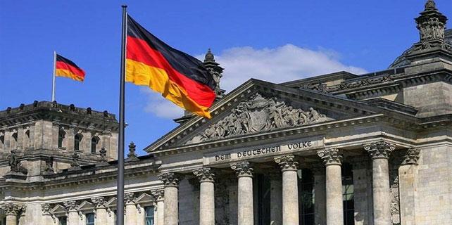 Almanya fakirleşiyor