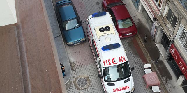Ambulansa yol yok!