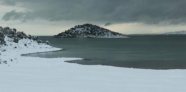 Beyşehir Gölü Milli Parkı'nda kartpostallık kar güzellikleri