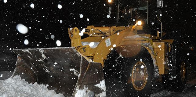 Cihanbeyli'de kar temizleme çalışmaları aralıksız sürüyor
