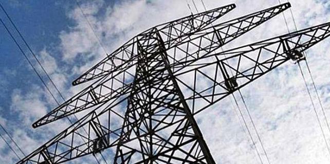 Elektrik kesintileri vatandaşı zorda bırakıyor