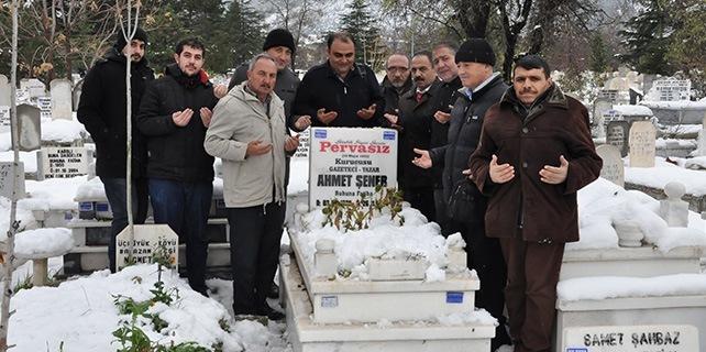 Gazeteci Ahmet Şener anıldı