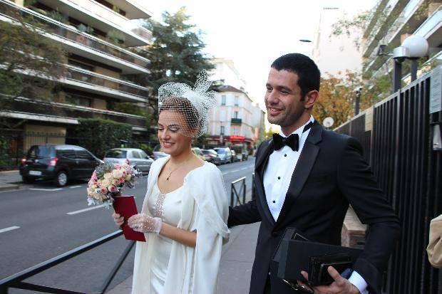 Paris'te evlendiler Hiç romantik değil