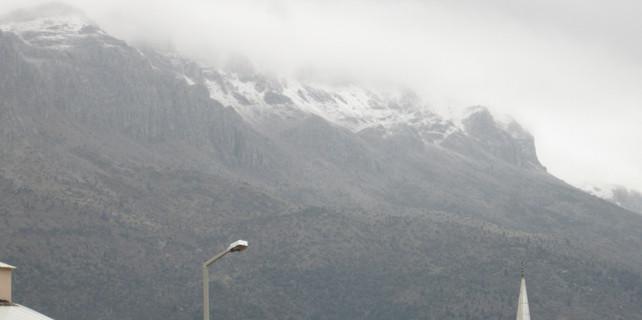 Seydişehir'e yılın ilk karı düştü