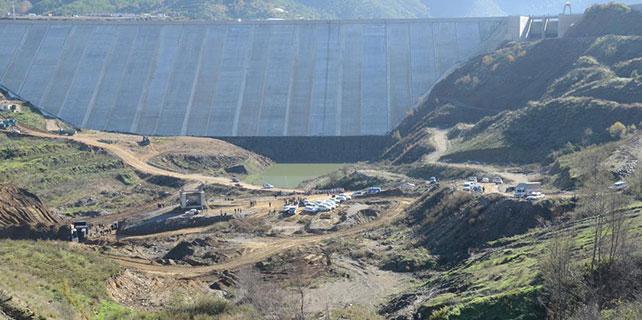 Alaköprü Barajı'nda köylülerden protesto gösterisi