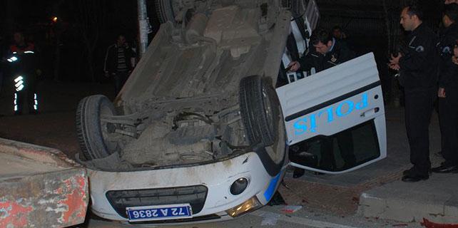 Batman'da polis aracı devrildi: 3 yaralı