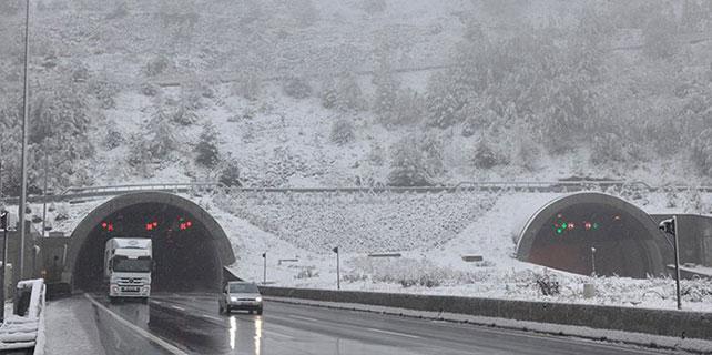 Bolu'da kar yağışı etkisini gösterdi
