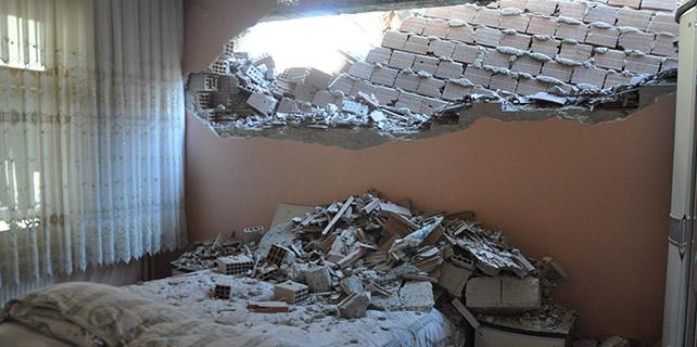 Çalışmalar yatak odasının duvarını yıktı
