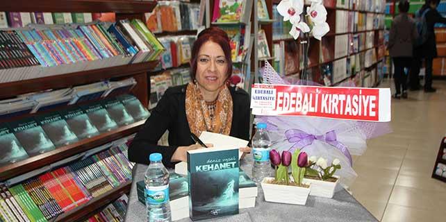 Emekli eğitimci Deniz Uysal 'Kehanet' adlı kitabını tanıttı