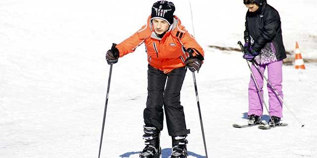 Görme engellilerin kayak keyfi