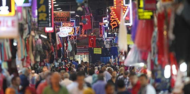 Kayseri esnafı yabancı turistle pazarlığı öğrenecek