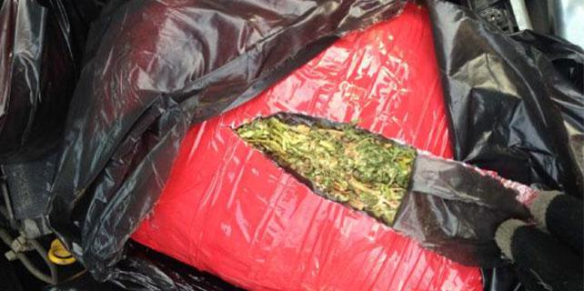 Siverek'te otomobilde 11 kilo esrar, sürücü tutuklandı