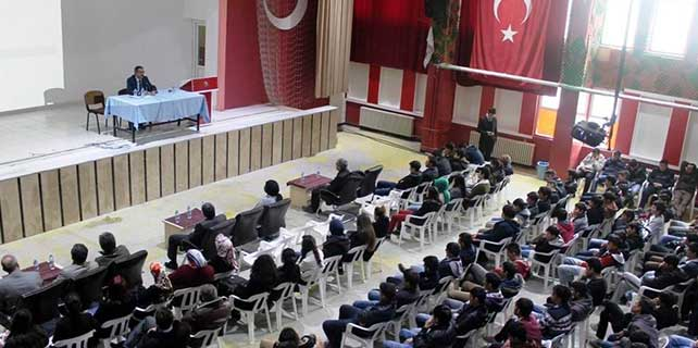 Prof. Dr. Şahin'den Uyuşturucu konulu konferans