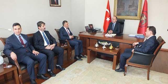 AK Parti İl Başkanı Arat, Vali Erol'u ziyaret etti