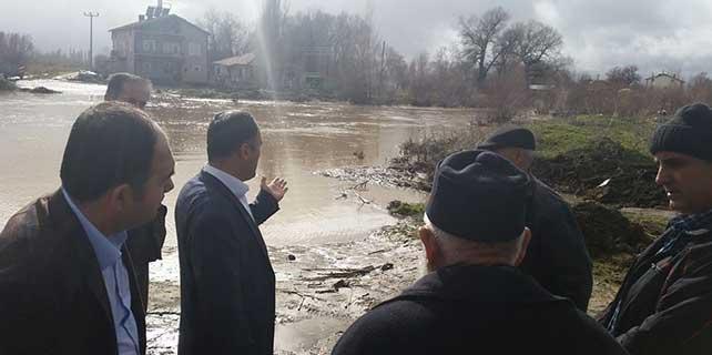 Beyşehir'de su taşkını riski ekiplerin müdahalesi ile önlendi