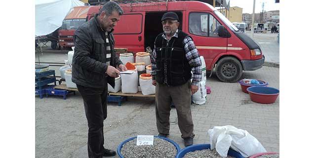 Boğazlıyan'da pazar esnafına etiket dağıtıldı