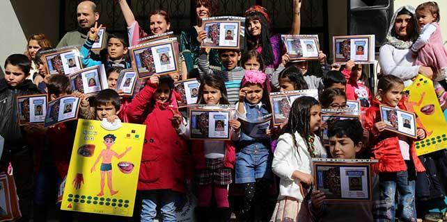 Destek evinde Kürtçe eğitim gören öğrencilere karne verildi