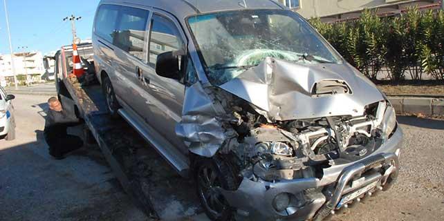 Didim'de trafik kazası: 1'i ağır 2 yaralı