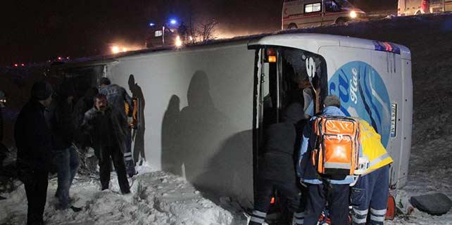 Erzincan'da korkunç kaza: 1 ölü 41 yaralı