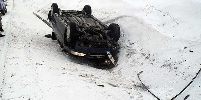 Gemerek'te trafik kazası: 3 yaralı