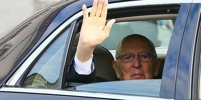 İtalya Cumhurbaşkanı Napolitano görevinden ayrıldı