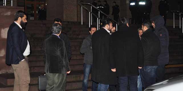 """İzmir merkezli """"paralel yapı"""" operasyonu"""
