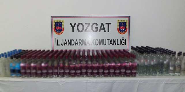 Jandarma 324 şişe kaçak içki ele geçirdi