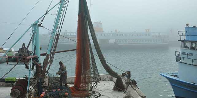 Karadeniz'de ulaşıma sis engeli