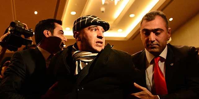 Kılıçdaroğlu'na ayakkabılı saldırıda bulunan kişi, serbest bırakıldı