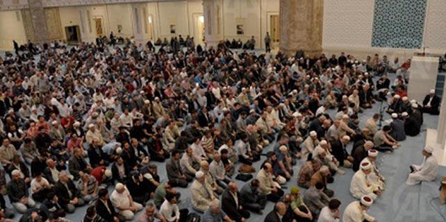 Konya'da Mevlid Kandili'nde Camiler Doldu Taştı