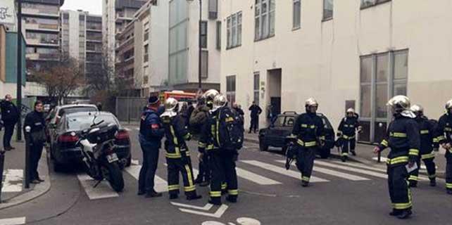 Paris'te mizah dergisi Charlie Hebdo'ya silahlı saldırı