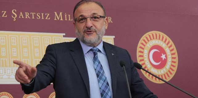Oktay Vural: 'Al bayrak edebiyatı yapıyor'