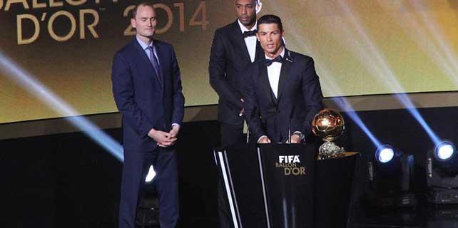 """Ronaldo """"3'ler kulübü""""ne girdi"""