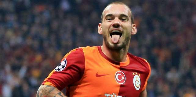 """Sneijder atıyor, """"Cim Bom"""" kazanıyor"""