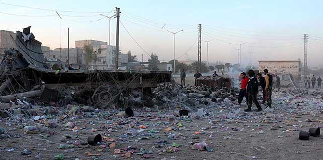 Suriye'de pazar yerine varil bombalı saldırı