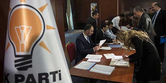 """AK Parti'de """"son gün"""" hareketliliği"""
