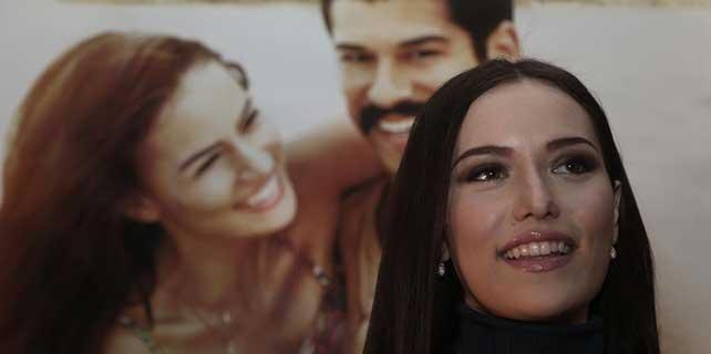 'Aşk Sana Benzer' filminin galası yapıldı