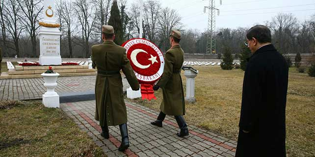 Başbakan Davutoğlu, Macaristan'da