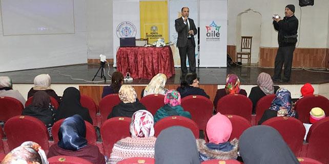 "Beyşehir'de ""ailede sevgi"" konulu konferans"