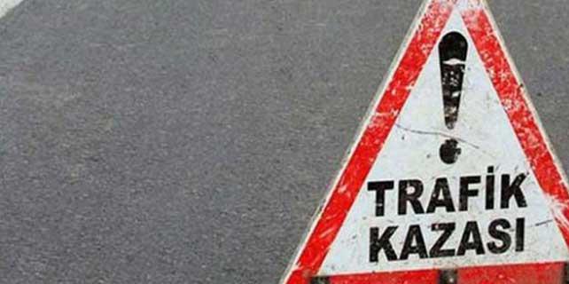 Çanakkale'de otomobil ile kamyon çarpıştı: 2 ölü