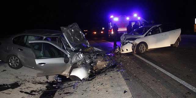 Çanakkale'de otomobiller çarpıştı