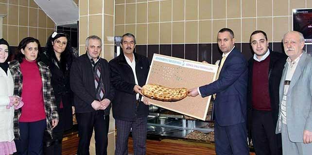 Cihanbeyli Belediyesi'nden ekmek kampanyası