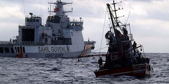 Ege Denizi'nde 200 göçmen kurtarıldı