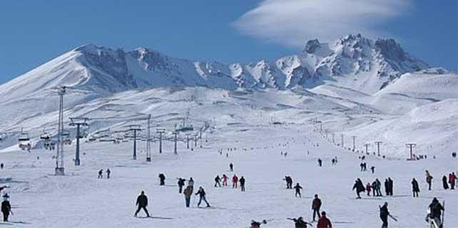 Erciyes'te kar kalınlığı 230 santimetreye yükseldi