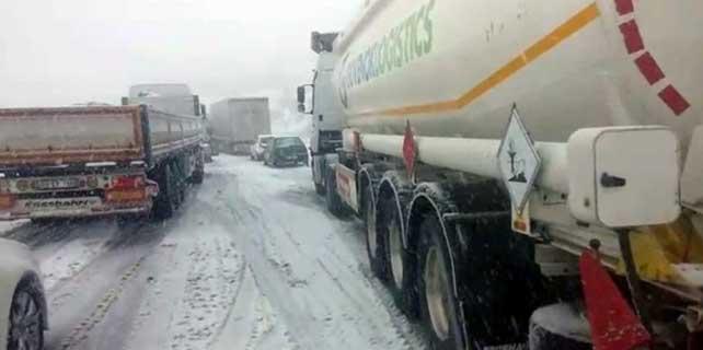 Gerede-Karabük karayolu ulaşıma kapandı