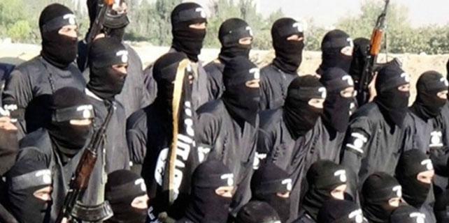 IŞİD, Musul Halk Kütüphanesi'ni yaktı