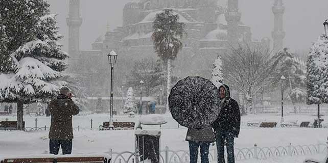 Kar yağışı Avrupa Yakası ve Boğaz'da etkili oluyor