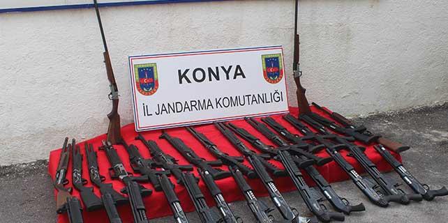 Kargo araçlarıyla taşınan silahlar Jandarmaya takıldı
