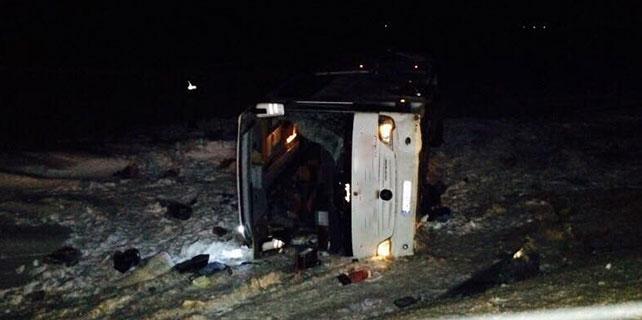 Konya'da yolcu otobüsü devrildi: 1 ölü