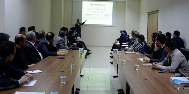 Meram'da eğitim seminerleri sürüyor